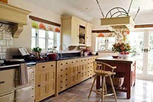 prewar kitchen with freestanding cabinets