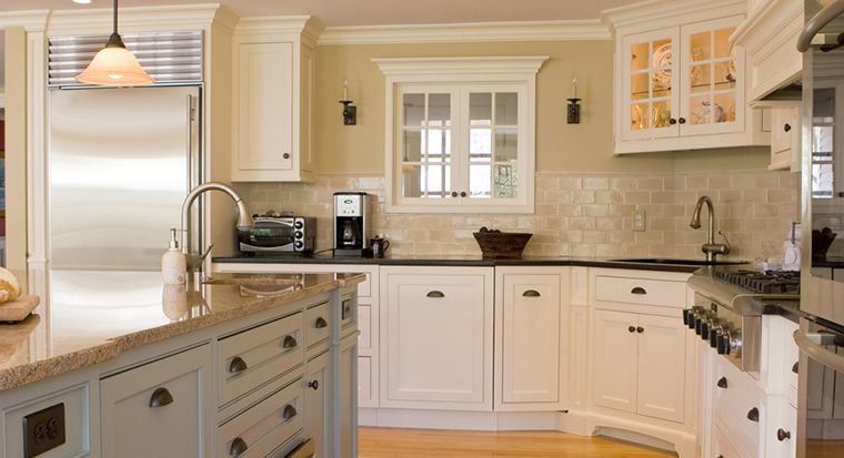 kitchen with nice cabinets and drawer