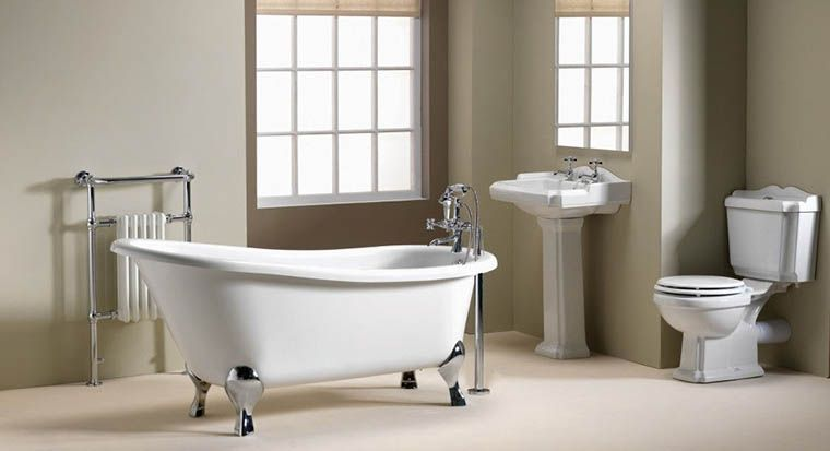 Victorian-style bathroom with pedestal sink
