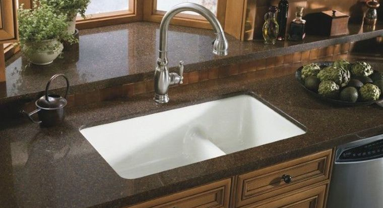 undermounted sink with granite counter